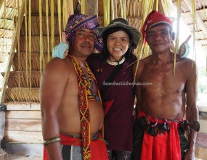 Indigenous tribe, ritual ceremony, culture, budaya, native, tribal, village, Borneo, West Kalimantan, Nyobak'ng, gawai dayak, paddy harvest festival, rumah Adat Baluk, skull feeding, Tourism, transborder, backpackers