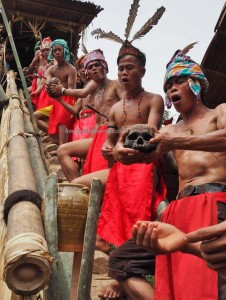 authentic village, ritual ceremony, budaya, native, tribal, tribe, Borneo, nyobeng, gawai dayak, paddy harvest festival, Rumah Adat Baluk, skull feeding, tengkorak, Tourism, travel guide, transborder, backpackers,