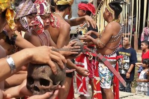 authentic event, ceremony, culture, wisata budaya, native, tribal, tribe, Kalimantan Barat, Borneo, Indonesia, Nyobak'ng, paddy harvest festival, cleansing, tengkorak, Tourism, travel guide, backpackers,