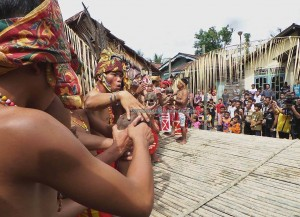 Indigenous dayak, ritual Ceremony, culture event, budaya, tribal, tribe, Dusun Sei Biang, Borneo, West Kalimantan, Nyobak'ng, cleansing, skull feeding, obyek wisata, tourist attraction, traditional, transborder, backpackers,