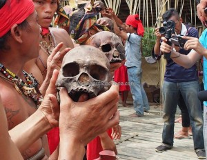 authentic, Indigenous tribe, ritual Ceremony, culture, tribal, village, Kampung Tadan, Bengkayang, Nyobak'ng, paddy harvest festival, skull feeding, tengkorak, Tourism, travel guide, traditional, transborder, backpackers,