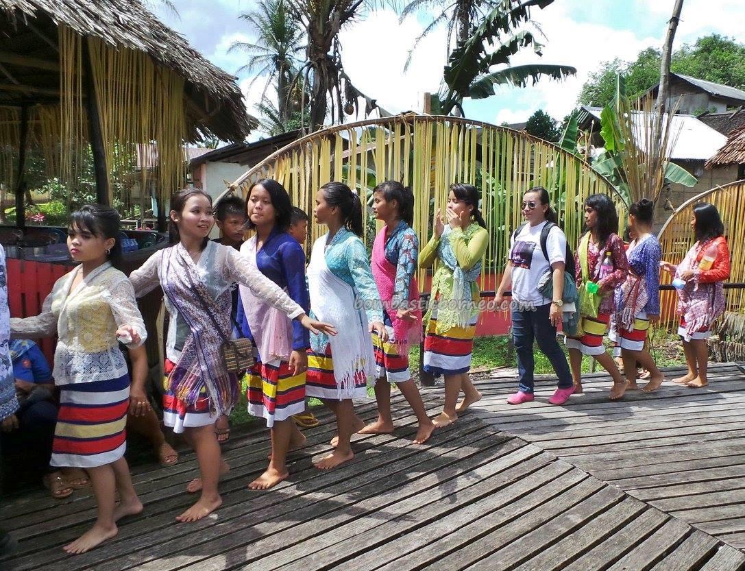Nyobeng Sebujit Gawai Ritual Ceremony,Indonesia Tribal Event  BOMBASTIC BORNEO