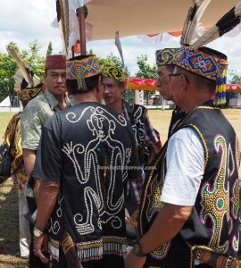 authentic, Adat budaya, culture, ritual ceremony, event, Pekan Gawai, native, Borneo, Putussibau, Tourism, obyek wisata, traditional, travel guide, tribe, transborder. 婆罗洲原著民丰收节日
