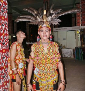 Bujang Dara, authentic, Indigenous, culture, event, Pekan Gawai Dayak, harvest festival, Ethnic, West Kalimantan, Tourism, tourist attraction, traditional, travel guide, tribal, tribe, 婆罗洲原著民丰收节日