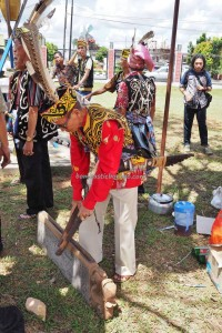 authentic, Indigenous, backpackers, culture, ritual ceremony, event, Pekan Gawai, Dayak Taman, harvest festival, native, Borneo, tourist attraction, traditional, travel guide, tribe, 婆罗洲原著民丰收节日