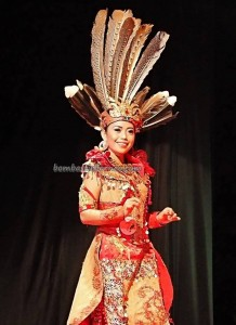 Bujang Dara, authentic, Indigenous, backpackers, budaya, event, harvest festival, native, Borneo, West Kalimantan, Tourism, tourist attraction, traditional, travel guide, tribal, 婆罗洲原著民丰收节日