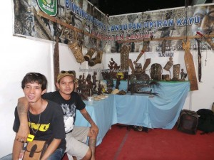 authentic, Indigenous, backpackers, Adat budaya, harvest festival, native, Borneo, Kalimantan Barat, Tourism, tourist attraction, obyek wisata, traditional, travel guide, tribal, tribe, 婆罗洲原著民丰收节日