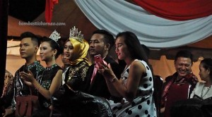 Beauty contest, Bujang Dara, authentic, culture, Pekan Gawai Dayak, native, Indonesia, Kalimantan Barat, Tourism, tourist attraction, obyek wisata, traditional, travel guide, tribal, tribe, 婆罗洲原著民