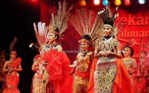 Beauty contest, authentic, Indigenous, culture, Pekan Gawai, native, Borneo, Kalimantan Barat, Rumah Radakng, Tourism, tourist attraction, travel guide, tribal, tribe, transborder. 婆罗洲原著民丰收节日
