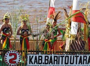 Lomba Jukung, Festival budaya, Isen Mulang, Indigenous, Central Kalimantan, 中加里曼丹, Palangkaraya, carnival, culture, Suku Dayak, event, Sungai Kahayan, Obyek wisata, Tourism, traditional, travel guide,