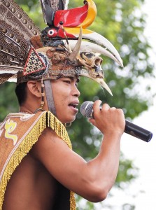nyanyian, Lomba Karungut Putra, Festival Budaya, Isen Mulang, Indigenous, Kalimantan Tengah, Palangkaraya, culture, carnival, pesta, suku dayak, Pariwisata, tourist attraction, travel guide, tribe, tourism,
