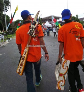 Indigenous, backpackers, carnival, Borneo, Kalimantan Tengah, 中加里曼丹, Indonesia, culture, event, native, Obyek wisata, Suku Dayak, Tourism, tourist attraction, traditional, travel guide, tribal,