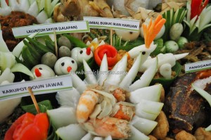 Lomba Mangenta, cooking competition, food decoration, indigenous, Borneo, Central Kalimantan, native, event, obyek wisata, tourism, tradisional, travel guide, tribal, tribe, culture, garnishing