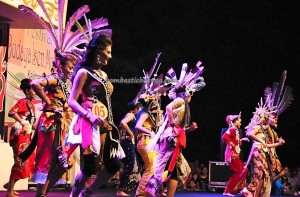 Lomba Jawi Nyai, Indigenous, cultural dance, Festival Budaya, carnival, Borneo, 中加里曼丹, Kalteng, Indonesia, Palangka Raya, Ethnic, Obyek wisata, tourist attraction, travel guide, tribal, tribe,