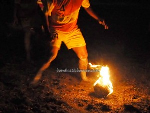 Fire football, Sepak Sawut Apui, Festival Budaya, Isen Mulang, indigenous, 中加里曼丹, kalteng, Borneo, Palangka Raya, carnival, event, native, permainan tradisional, traditional games, travel guide, suku dayak,