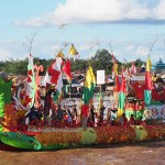 River Parade, Lomba Jukung, Isen Mulang, Indigenous, Borneo, 中加里曼丹, Indonesia, carnival, culture, native, Suku Dayak, Sungai Kahayan, Pariwisata, Tourism, travel guide, tribal,