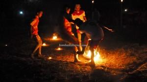 Lomba Sepak Sawut Apui, bola api, indigenous, festival budaya, Isen Mulang, ethnic, native, event, obyek wisata, permainan tradisional, sports, Tourism, travel guide, tribe, games, Kalteng,