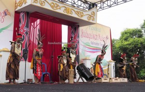 singing contest, Isen Mulang, authentic, Borneo, 中加里曼丹, Indonesia, Palangka Raya, cultural dance, carnival, ethnic, native, Pariwisata, Tourism, tribal, travel guide, tribe,