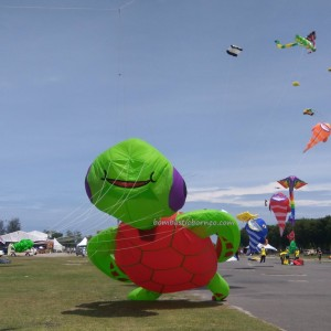 Borneo, International, Layang-Layang antarabangsa, backpackers, championship, Dual Line Stunt Kites, double delta kite, sport kite, Kites making workshop, Old Bintulu Airport, outdoors, tourist attraction, event, 婆罗洲国际风筝节, 民都鲁沙捞越