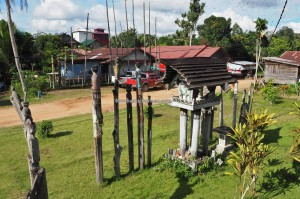 adventure, sculptures, authentic, indigenous, Borneo, 中加里曼丹, Desa Tumbang Malahoi, Gunung Mas, Rungan, Rumah Betang Toyoi, culture, Dayak Ngaju, homestay, tourist attraction, tribe, village