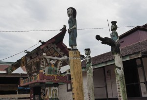 adventure, authentic, Borneo, Central Kalimantan, Rumah Betang Toyoi, culture, budaya, Dayak Ngaju, native, sculptures, Obyek wisata, Sandung, Tourism, traditional, tribal, village