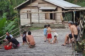 Rural, Mini library, Indigenous, tribe, Kampung, Bengoh dam, Padawan, Kuching, Malaysia, 沙捞越, Non Government Organization, seva, charity, Community Service, education,