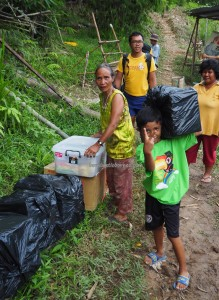 Rural, Mini library, authentic, Indigenous, native, tribe, Village, Padawan, Kuching, 沙捞越, Non Government Organization, volunteer, charity, Community Service, education,