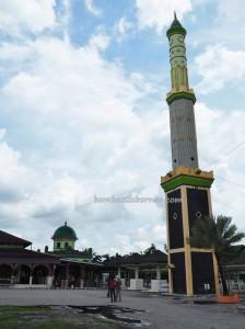 Banjarmasin, old mosque, culture, dayak, native, Ethnic Banjarese, Borneo, Kota Seribu Sungai, river city, obyek wisata, Tourism, tourist attraction, tradisional, travel guide, 馬辰