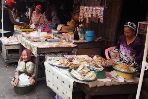 local food, dayak, native, Ethnic Banjarese, Kalimantan Selatan, Kota Seribu Sungai, river city, street market, Tourism, tourist attraction, tradisional, travel guide, village, 馬辰