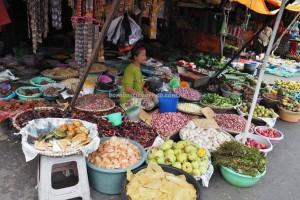 local vegetable, fruits, food, native, Ethnic Banjarese, Borneo, native, dayak, pasar lama, obyek wisata, Travel guide, tradisional, village, Indonesia, tourism,