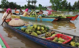 Pasar Terapung, Floating Market, Lok Baintan, Indigenous, native. Boat ride, Borneo, Indonesia, Kota Seribu Sungai, Martapura River, Tourism, tourist attraction, travel guide, village, 婆罗州 旅游景点
