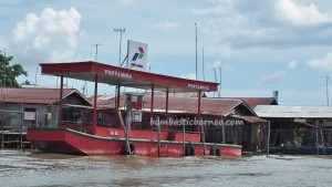 authentic, Ethnic Banjarese, native, Boat ride, jelatong, rumah lanting, Borneo, Pulau Kaget, Kota Seribu Sungai, Martapura River, Barito Kuala, Tourism, traditional, travel guide, village,