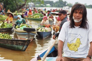 Pasar Terapung, authentic, native. klotok, Boat ride, culture, Borneo, Indonesia, South Kalimantan, Sungai Martapura, obyek wisata, Tourism, tradisional, travel guide, village, 婆罗州 旅游景点