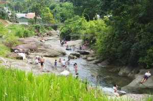 family vacation, picnic spot, nature, outdoor, authentic, indigenous, Sungai Sapit, River, Kampung, Padawan, Malaysia, charity, volunteer, dayak bidayuh, 沙捞越,