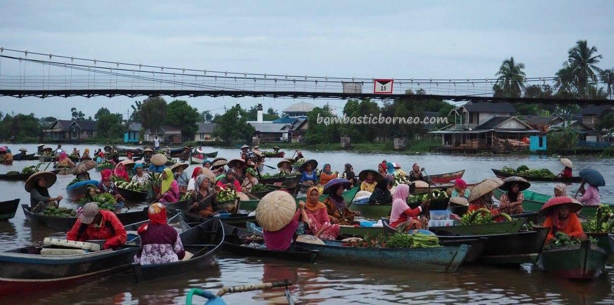 Floating Market, authentic, ethnic Banjarese, klotok, Boat ride, culture, Borneo, Kota Banjarmasin, Martapura River, Sungai Tabuk, obyek wisata, Tourism, tradisional, travel guide, village, 婆罗州 旅游景点