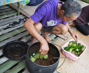 Borneo Highlands, exotic delicacy, sticky rice, cooking lesson, indigenous, Kampung Sapit, village, Kuching, Malaysia, tribe, Community Service, native, dayak bidayuh, 沙捞越美食, authentic,