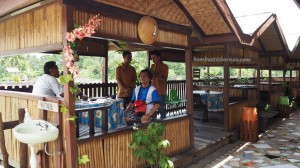 water park, outdoor, activities, backpackers, Borneo, Indonesia, Samarinda, Sungai Mariam, Anggana, family vacation, Kolam Pemancingan, Obyek wisata, Tourism, travel guide, udang galah