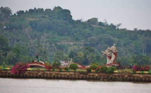 promenade, waterfront, bridge, backpackers, destination, Borneo, Indonesia, Kutai Kartanegara, Tourism, obyek wisata, travel guide, 东加里曼丹, 婆罗州, 旅游景点