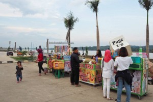 waterfront, jembatan, bridge, backpackers, destination, Borneo, kutai kartanegara, family holiday, obyek wisata, Tourism, tourist attraction, 东加里曼丹, 婆罗州, 旅游景点