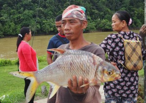 backpackers, destination, Sungai Rajang, Balui river, Borneo, Kapit, Dayak, native, Orang Ulu, ikan, local market, tourism, tourist attraction, travel guide, 沙捞越婆罗州,