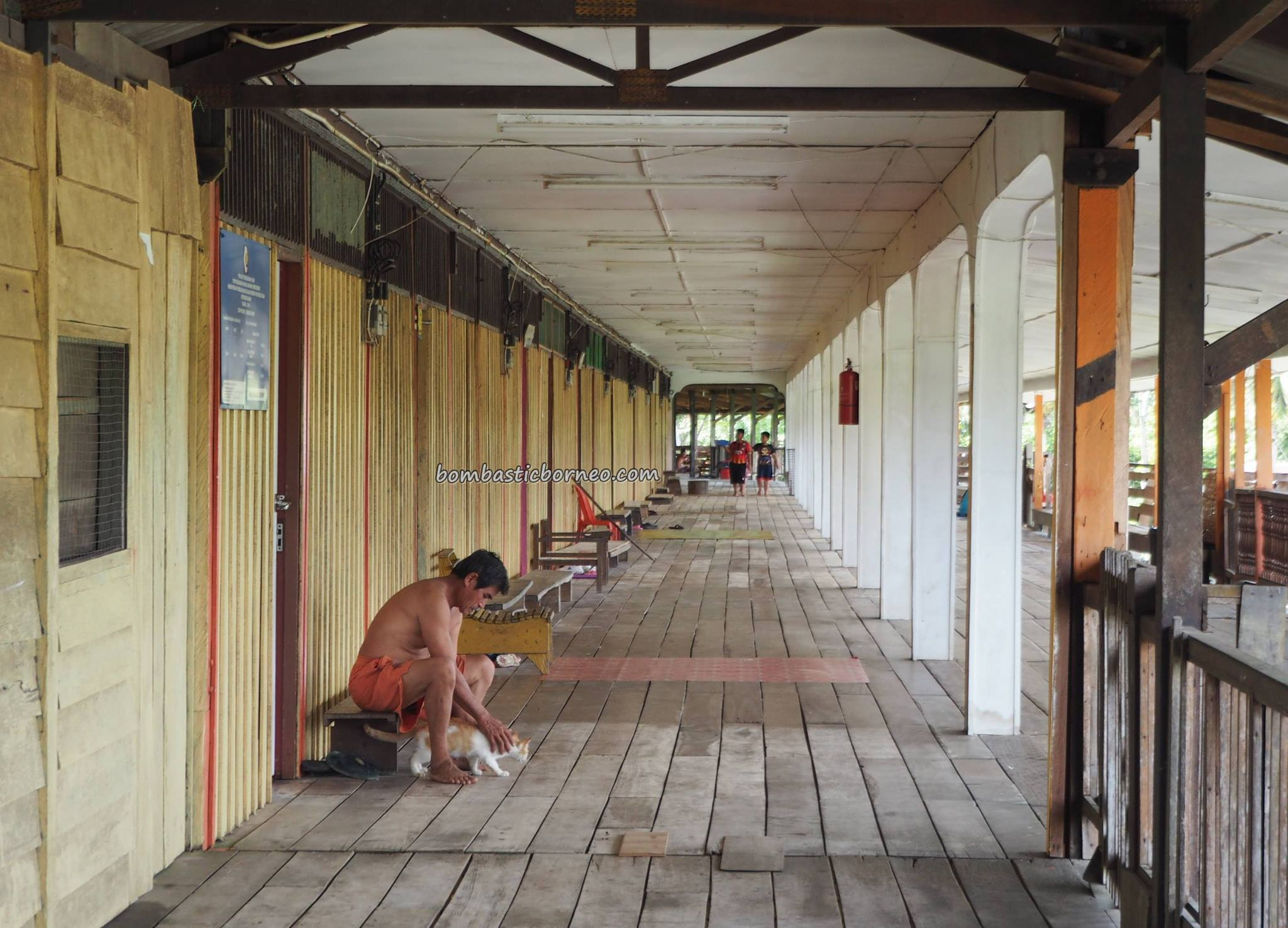 longhouse, village, authentic, Bakun Dam resettlement, Kapit, Borneo, Sarawak, Malaysia, native, tribe, Dayak Kayan, Tourism, travel guide, backpackers, 沙捞越长屋