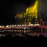 backpackers, destination, S-shaped pedestrian bridge, event, fireworks, Opening ceremony, Borneo, tourist attraction, tourism, 古晋, 沙捞越, 婆罗州, 旅游景点, 步行桥