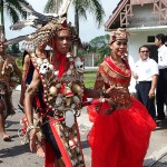 carnaval, Gawai Harverst Festival, backpackers, Dayak Kanayatn, Etnis, native, tribal, West Kalimantan, Borneo, Kampung Budaya, Ngabang, Tourism, obyek wisata, travel guide, 原著民丰收节日