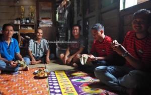 transborder, authentic, backpackers, culture, Dayak Kanayatn, tribe, Rumah Panjang, Desa Saham, Indonesia, Landak, Obyek wisata, travel guide, Gawai padi, Naik Dango, 婆罗洲长屋