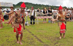 Irau event, indigenous, traditional, cultural dance, Borneo, Limbang, Malaysia, dayak, native, tribal, tourist attraction, travel guide, crossborder, backpackers, 砂拉越, 原著民丰收节日