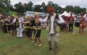 rice harvest festival, Irau event, traditional, thanksgiving, Limbang, Malaysia, gawai dayak, native, tribe, tribal, tourist attraction, travel guide, transborder, backpackers, 婆罗洲, 原著民丰收节日