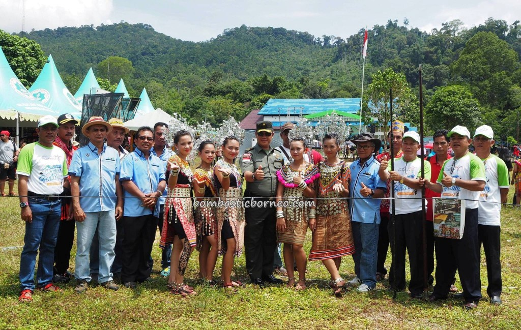 event, adventure, destination, Lanjak village, Kapuas Hulu, wonderful Indonesia, Borneo, dayak iban, tribal, native, obyek wisata, traditional, travel guide, 旅游景点, 西加里曼丹原著民