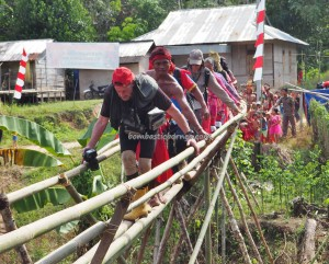 backpackers, Bengkayang, Borneo, Desa Tangguh, Kampung Kadek, dayak bidayuh, native, event, Obyek wisata, travel guide, traditional, transborder, village, 西加里曼丹, 婆罗洲, 原著民丰收节日