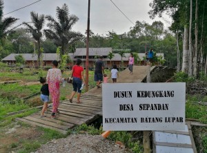 Rumah Panjang, longhouse, authentic village, traditional, Borneo, Sepandan, native, Suku Dayak Iban, tribe, Tourism, tourist attraction, travel guide, crossborder, Taman Nasional danau sentarum, 婆罗洲, 原著民长屋