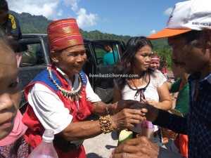 thanksgiving Harvest Festival, Borneo, Indonesia, West Kalimantan, Kampung Kadek, Siding, native, tribe, culture, wisata budaya, Tourism, traditional, travel guide, transborder, tuak, 婆罗洲丰收节日